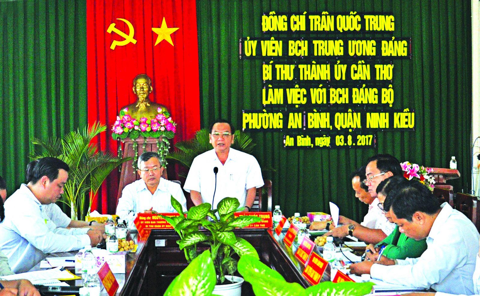 Đồng chí Trần Quốc Trung, Ủy viên Trung ương Đảng, Bí thư Thành ủy phát biểu kết luận buổi làm việc.