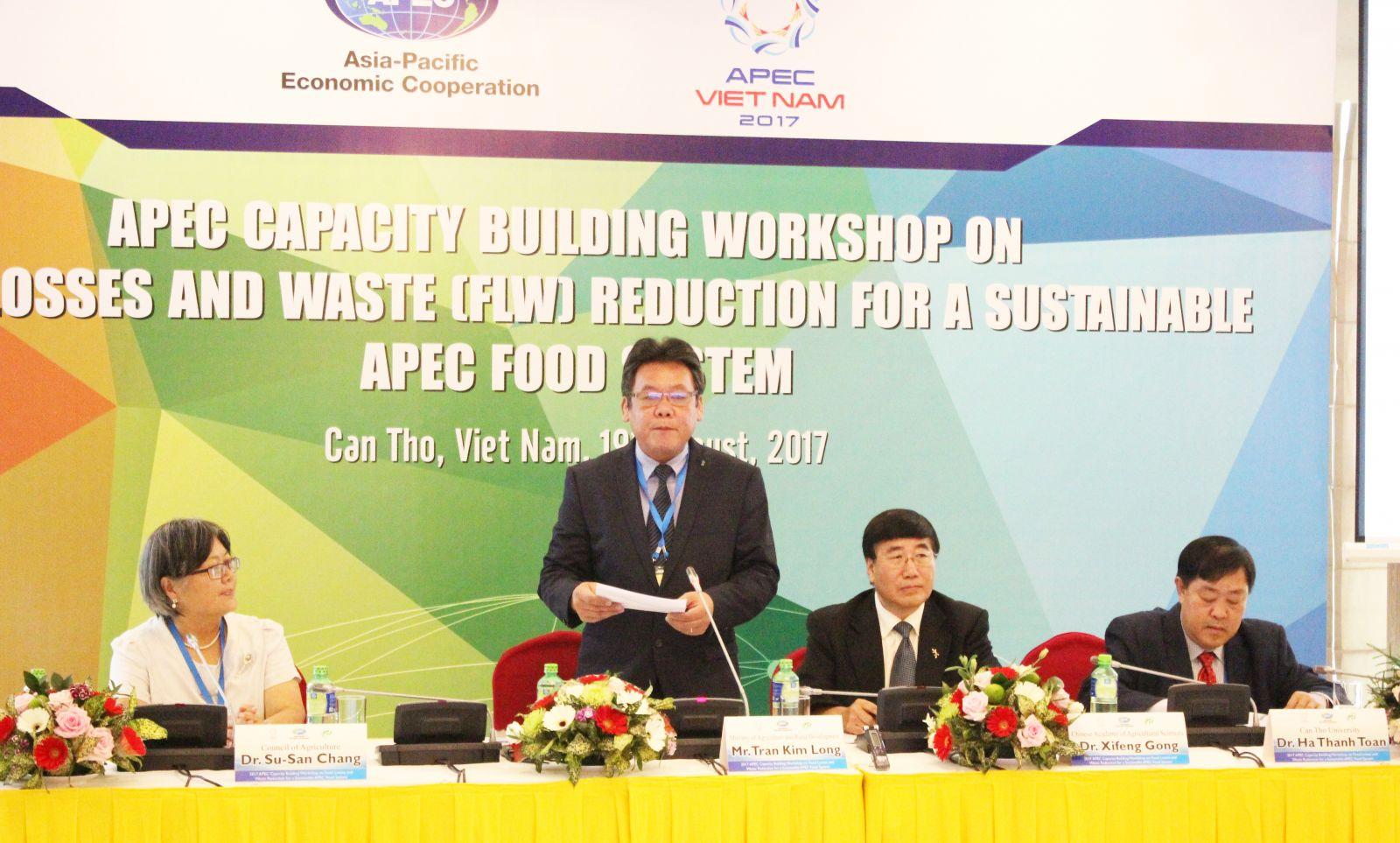 Ông Trần Kim Long phát biểu tại hội thảo. Ảnh: Anh Khoa