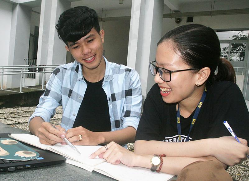 Nguyễn Văn Quận nỗ lực tự học, tự rèn để hoàn thiện bản thân.