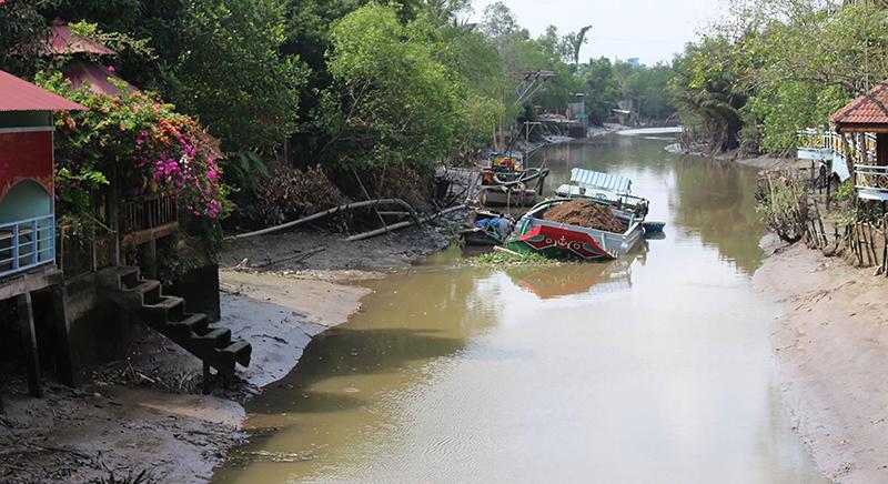 Nước trên các dòng sông, rạch thuộc địa bàn TP Cần Thơ xuống thấp khi mùa khô đến. Ảnh: HÀ VĂN