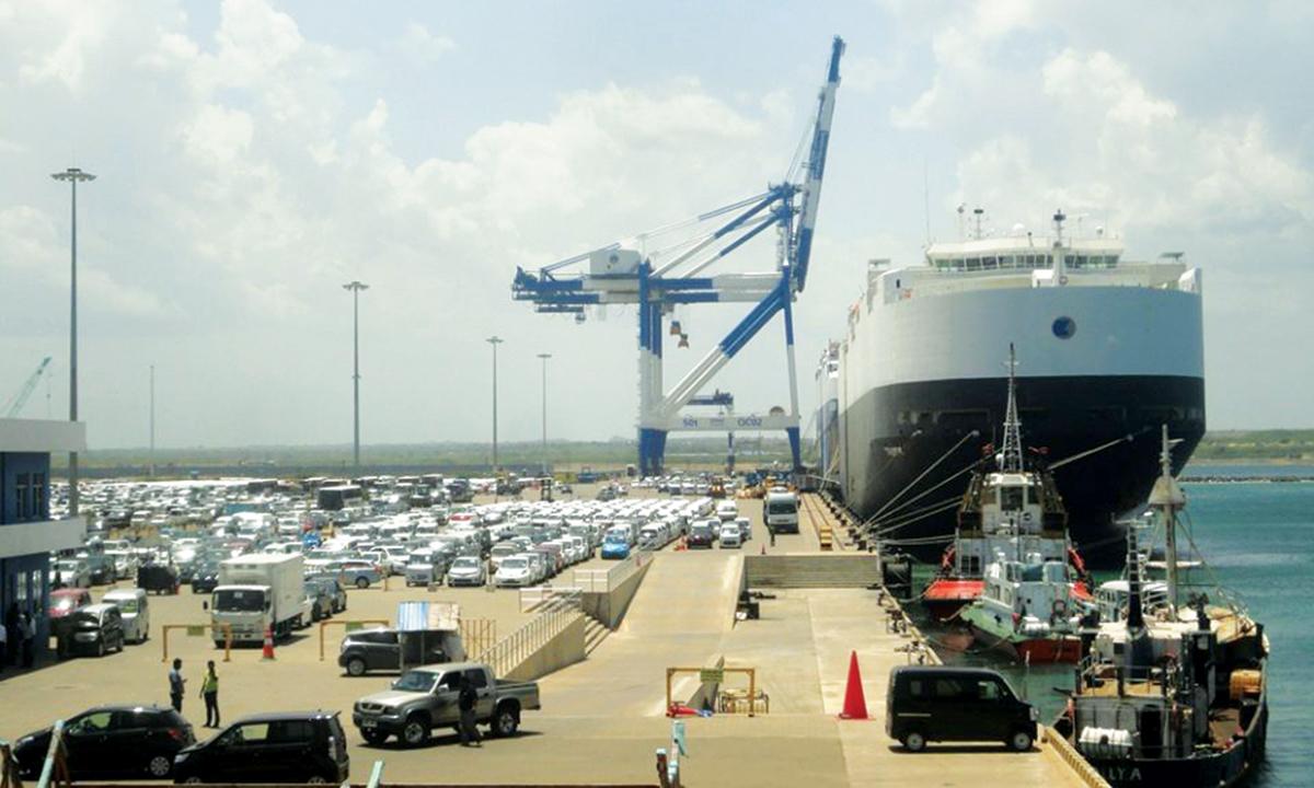 """Cảng Hambantota của Sri Lanka nhìn ra Ấn Độ Dương và được trông đợi đóng vai trò then chốt trong sáng kiến """"Một Vành đai, Một Con đường"""", đã được Trung Quốc thuê trong 99 năm. Ảnh: Wikimedia Commons"""