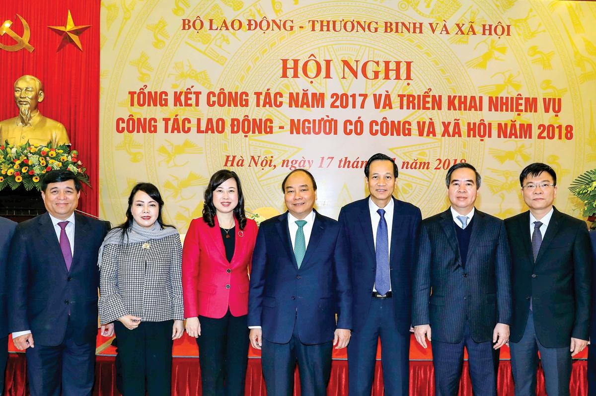Thủ tướng Nguyễn Xuân Phúc và các đại biểu tham dự hội nghị. Ảnh: THỐNG NHẤT (TTXVN)
