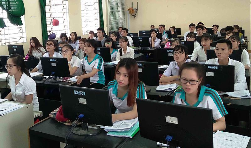 Giờ học thực hành của sinh viên Trường CĐCT. Ảnh: B.NG