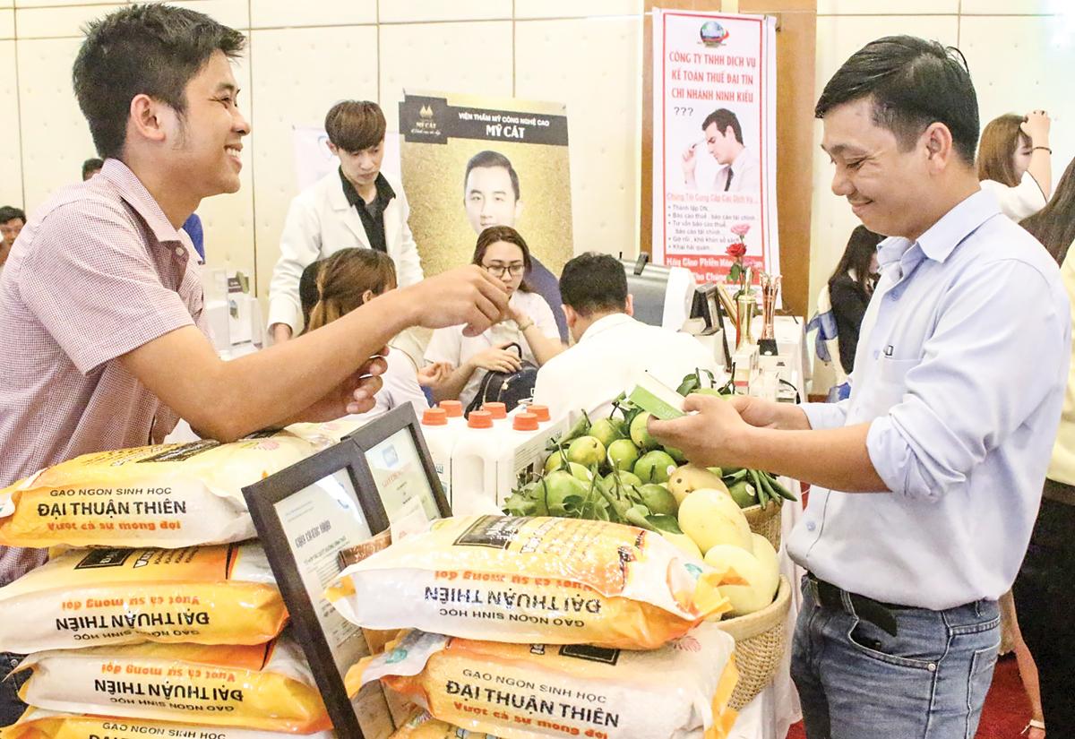 Công ty TNHH Nông sản sạch Đại Thuận Thiên tham gia các hoạt động quảng bá sản phẩm do Hiệp hội Doanh nghiệp TP Cần Thơ tổ chức.