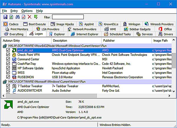 Giao diện truy tìm triệt để các chương trình tự khởi động ẩn của Autoruns for Windows.