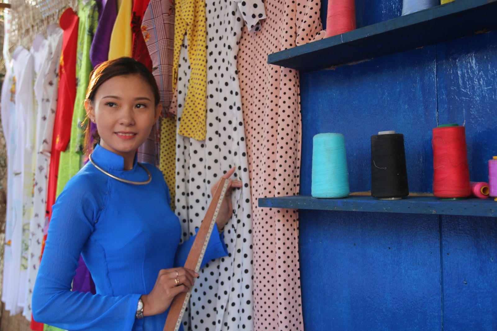 """Tái hiện tiệm may """"Cô Ba Sài Gòn"""" tại chương trình """"Sắc xuân miệt vườn"""". Ảnh: DUY KHÔI"""