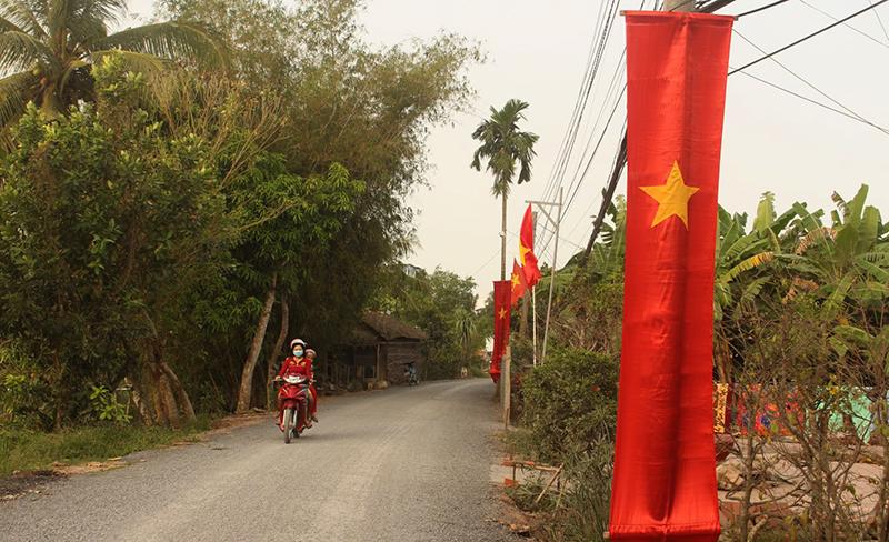 Tuyến đường chợ Cầu – cầu Ông Hiền – Rạch Chanh được xây dựng mới, giúp người dân đi lại thuận tiện. Ảnh: PHẠM TRUNG