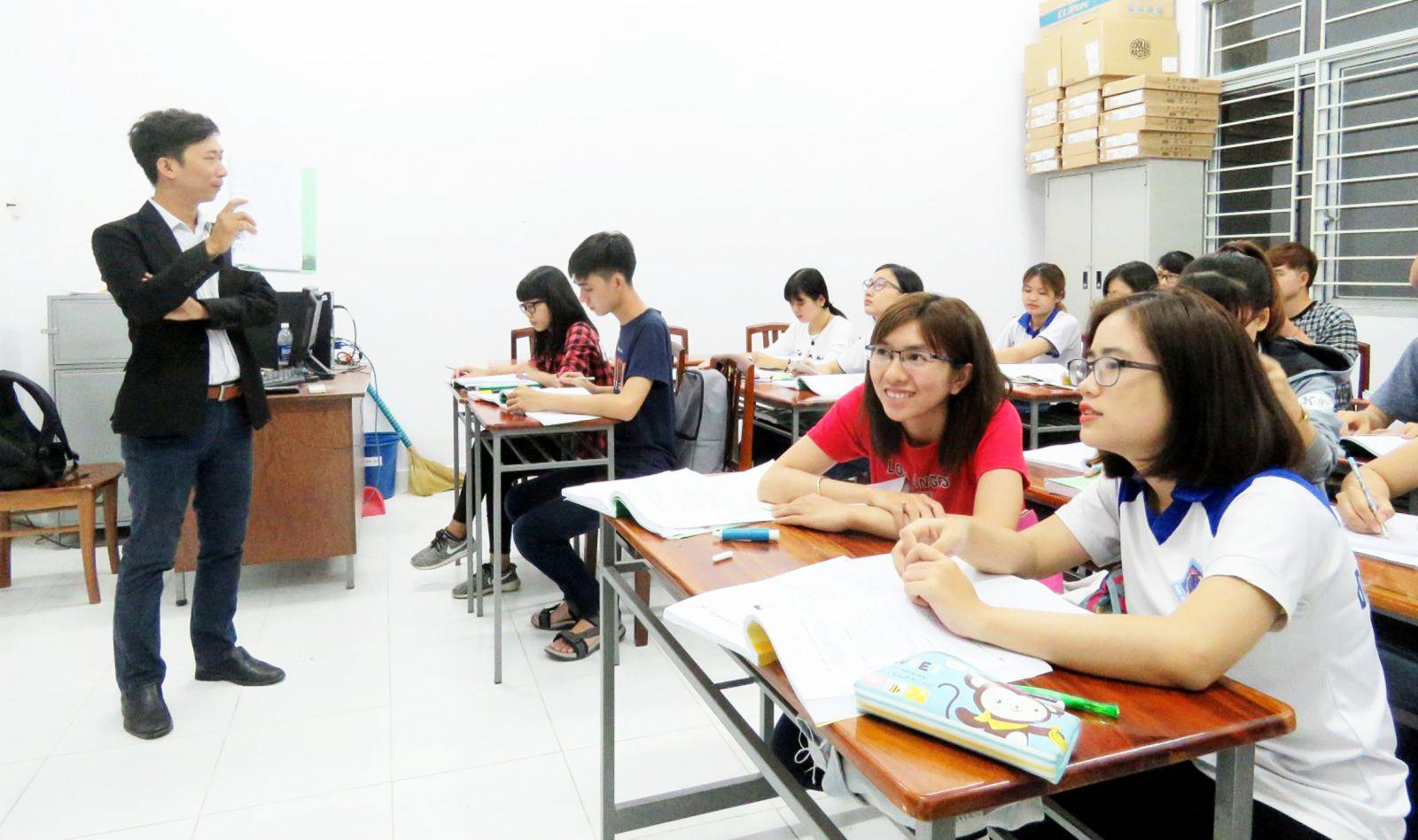 Hợp tác quốc tế -  góp phần nâng cao vị thế của  cơ sở giáo dục đại học, cao đẳng