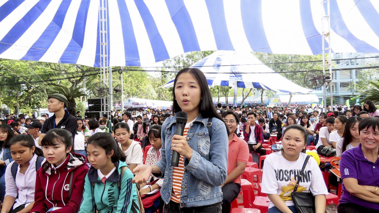 Học sinh quan tâm nhiều  đến các ngành dễ tìm việc làm