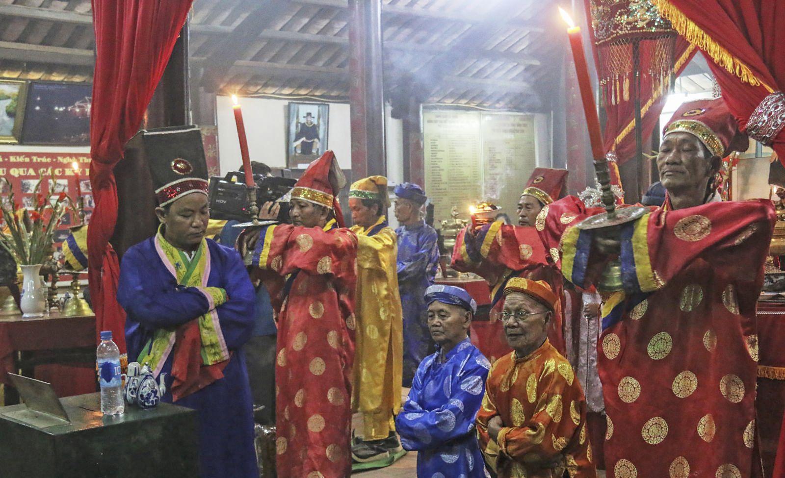 Lễ hội Kỳ yên đình Bình Thủy- Di sản văn hóa phi vật thể quốc gia. Trong ảnh là lễ Chánh Tế. Ảnh: DUY LỮ