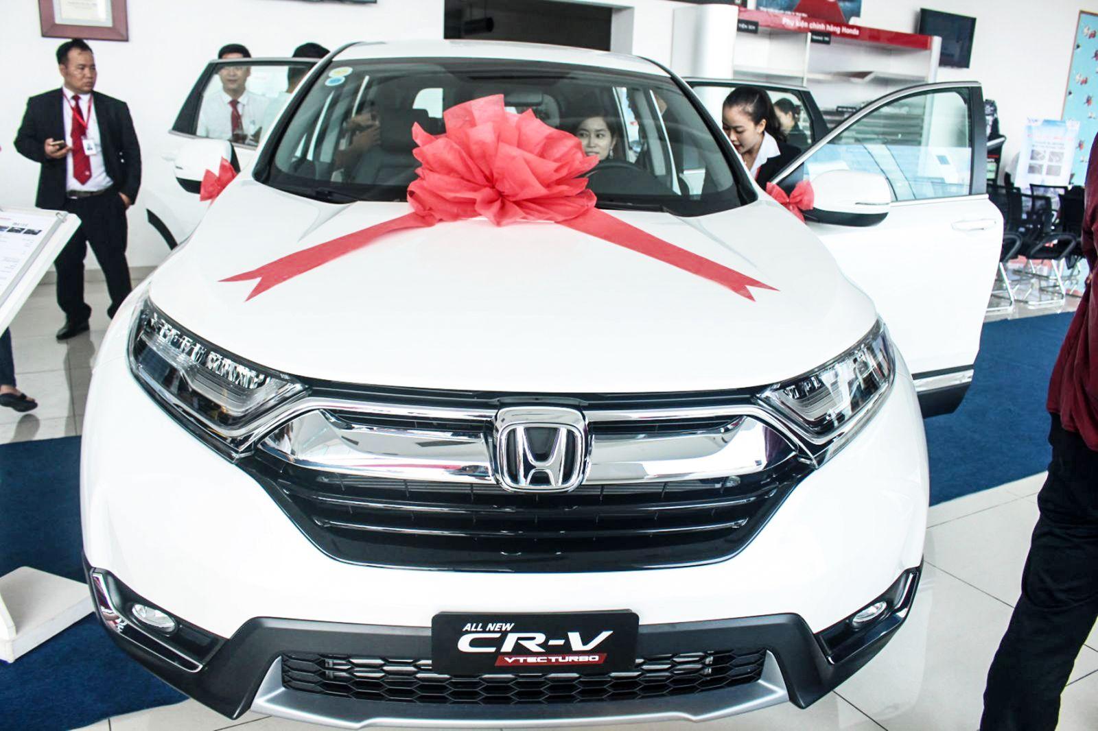 Mẫu xe CR-V 2018 được trưng bày, giới thiệu tại Đại lý Honda Ô tô Cần Thơ. Ảnh: MINH HUYỀN