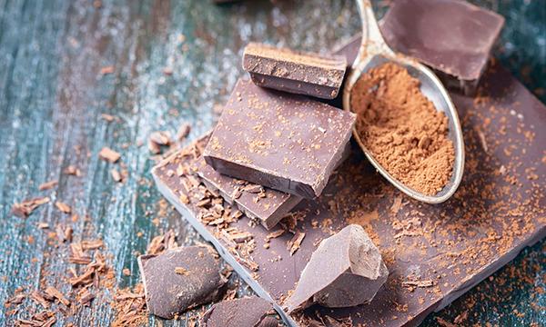 Ăn sôcôla giàu hàm lượng cacao có lợi sức khỏe hơn. Ảnh: Daily Mail
