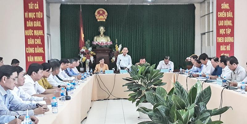 Chủ tịch UBND TP Cần Thơ Võ Thành Thống phát biểu chỉ đạo tại buổi làm việc. Ảnh: MINH HUYỀN