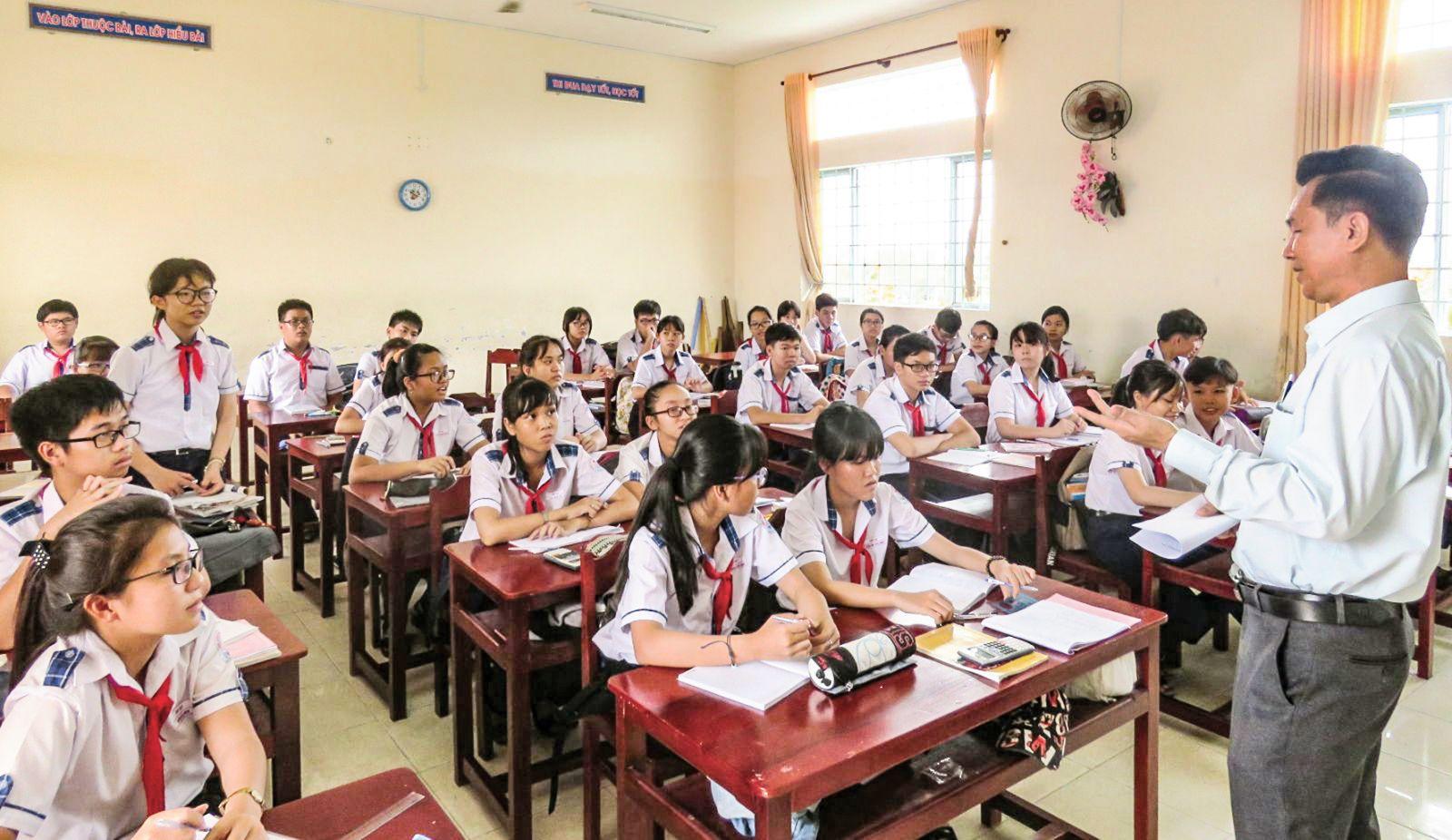 Giờ tư vấn hướng nghiệp cho học sinh lớp 9, Trường THCS Bình Thủy. Ảnh: B.NG