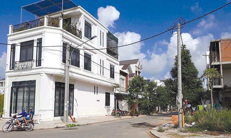 """Khu nhà ở cán bộ Trường Đại học Cần Thơ đang là một trong những điểm """"nóng"""" tăng giá của thị trường BĐS tại quận Ninh Kiều. Ảnh: T.K"""