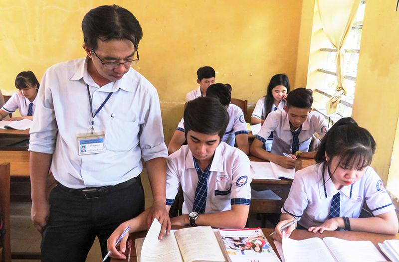 Thầy trò Trường THPT Thới Lai đang tập trung ôn thi. Ảnh: B.KIÊN