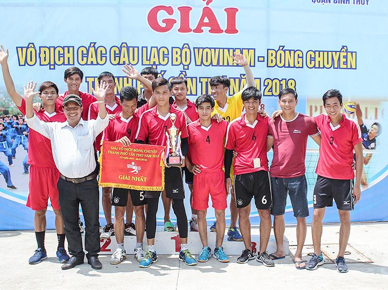 Đội bóng chuyền huyện Cờ Đỏ bảo vệ thành công ngôi vô địch. Ảnh: AN CHI