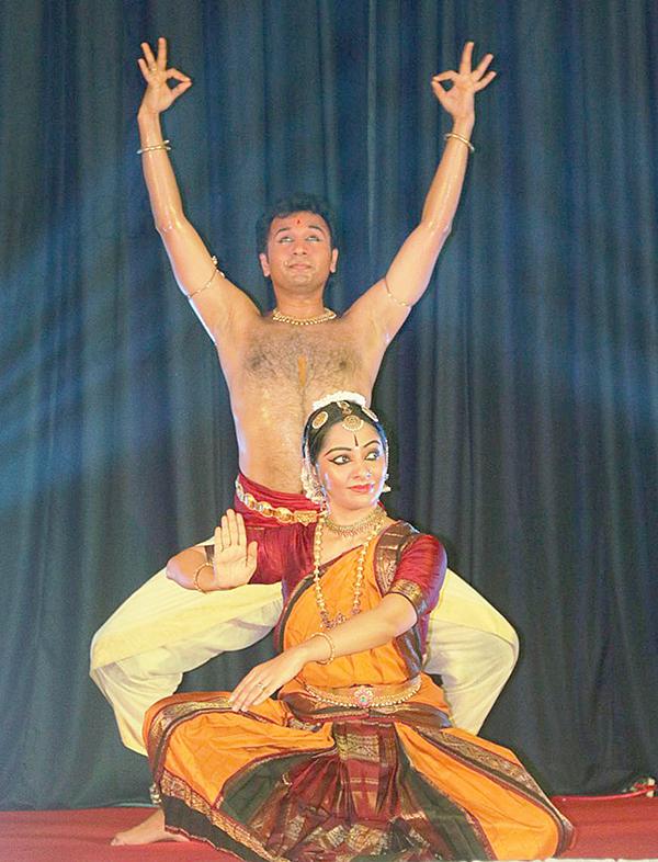 """Tiết mục múa """"Chandramouleeshwara"""" trong đêm diễn. Ảnh: DUY KHÔI"""