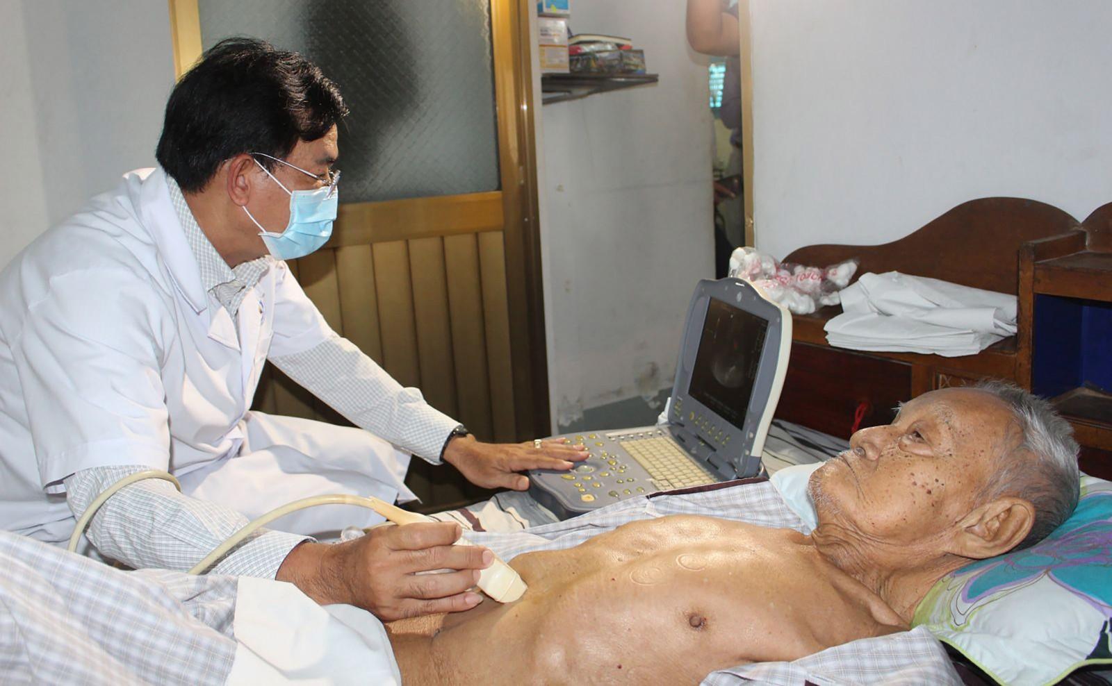 Cung cấp dịch vụ y tế tận nhà cho người bệnh