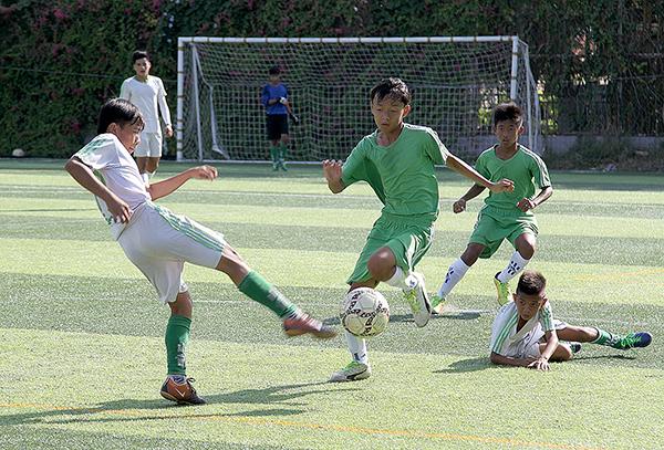 Một buổi tập luyện của đội U15 Cần Thơ. Ảnh: NGUYỄN MINH
