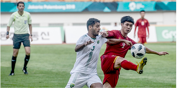 Công Phượng (phải) tiếp tục là ngòi nổ của Olympic Việt Nam. Ảnh: AFC.