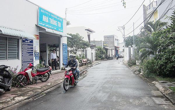 Nhánh tẻ rạch Bần tại hẻm 2 đường Nguyễn Việt Hồng được san lấp và hẻm được mở rộng, trải nhựa khang trang. Ảnh: SƠN THỦY