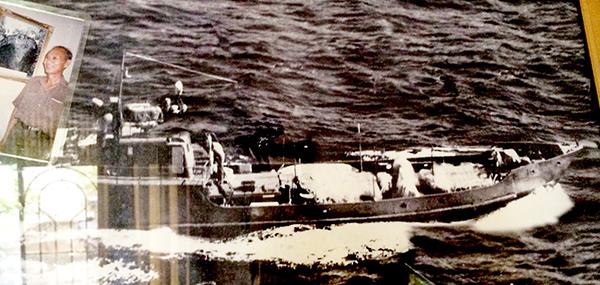 Tàu 69 trong một lần chuyển vũ khí vào Nam (Ảnh chụp lại tại nhà ông Năm Phước). Ảnh: PHẠM TRUNG