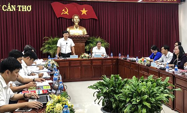 Anh Lê Quốc Phong, Bí thư thứ nhất Trung ương Đoàn TNCS Hồ Chí Minh phát biểu tại buổi giám sát. Ảnh: Q. THÁI