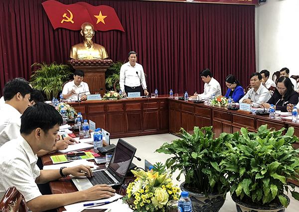 Đồng chí Phạm Văn Hiểu, Phó Bí thư Thường trực Thành ủy, Chủ tịch HĐND TP Cần Thơ, ghi nhận những ý kiến phát biểu của Bí thư thứ nhất Trung ương Đoàn TNCS Hồ Chí Minh. Ảnh: Q. THÁI