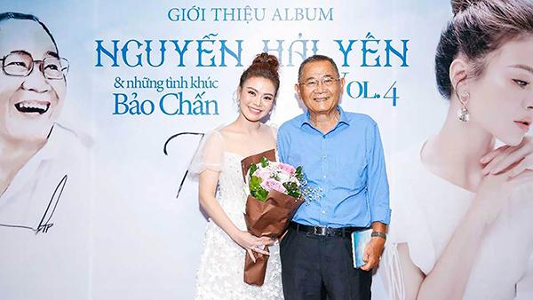 Hải Yến và nhạc sĩ Bảo Chấn trong buổi ra mắt album tại TP Hồ Chí Minh. Ảnh: vavomusic.com