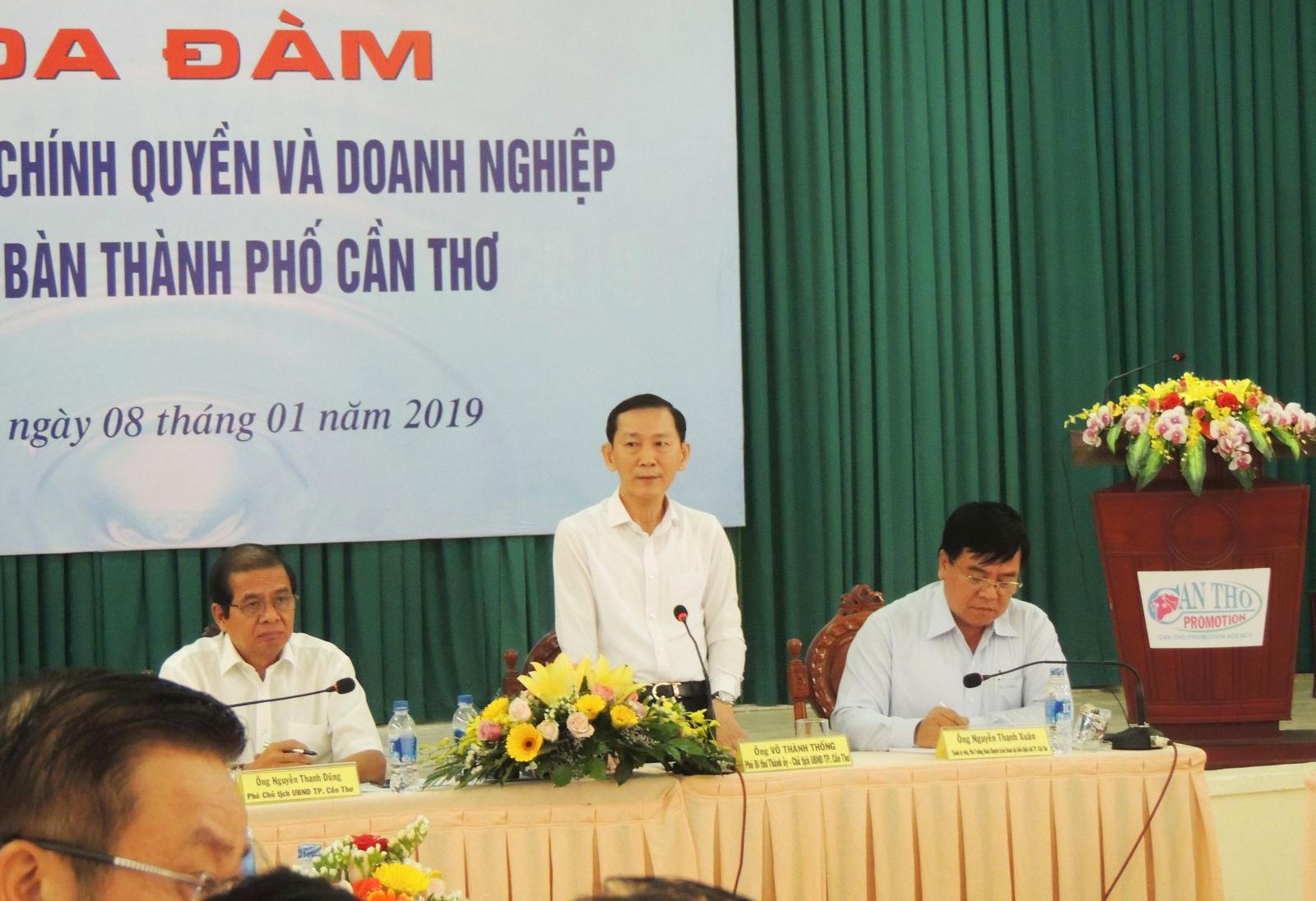 Chủ tịch UBND thành phố Võ Thành Thống tại tọa đàm.