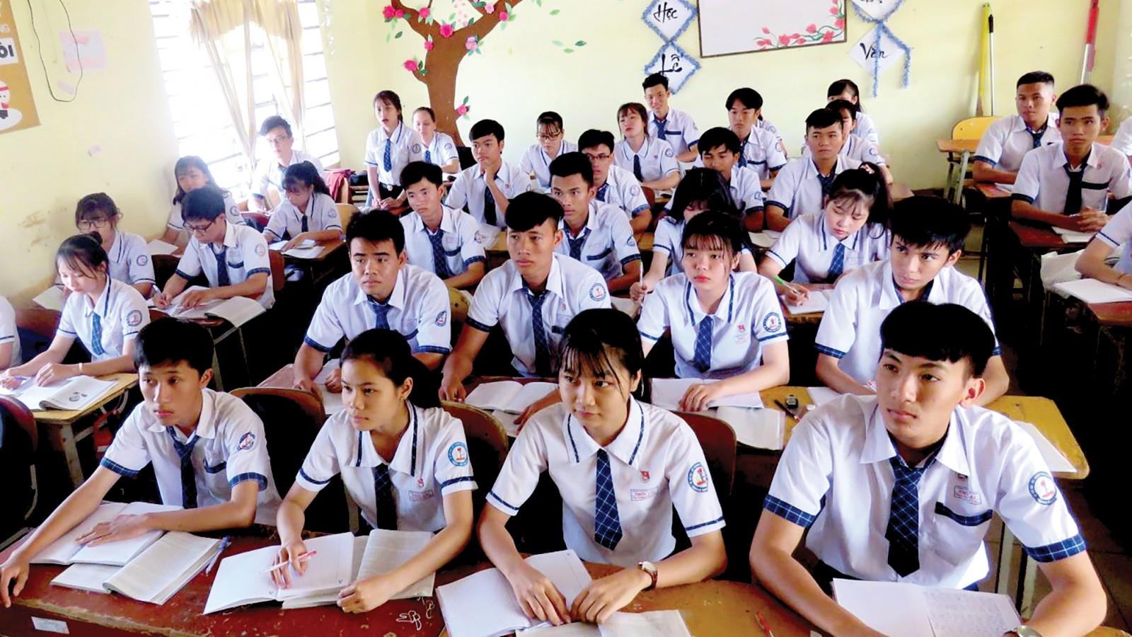 Giờ học môn Ngữ văn học sinh lớp 12 Trường THPT Thới Lai. Ảnh: BÍCH KIÊN