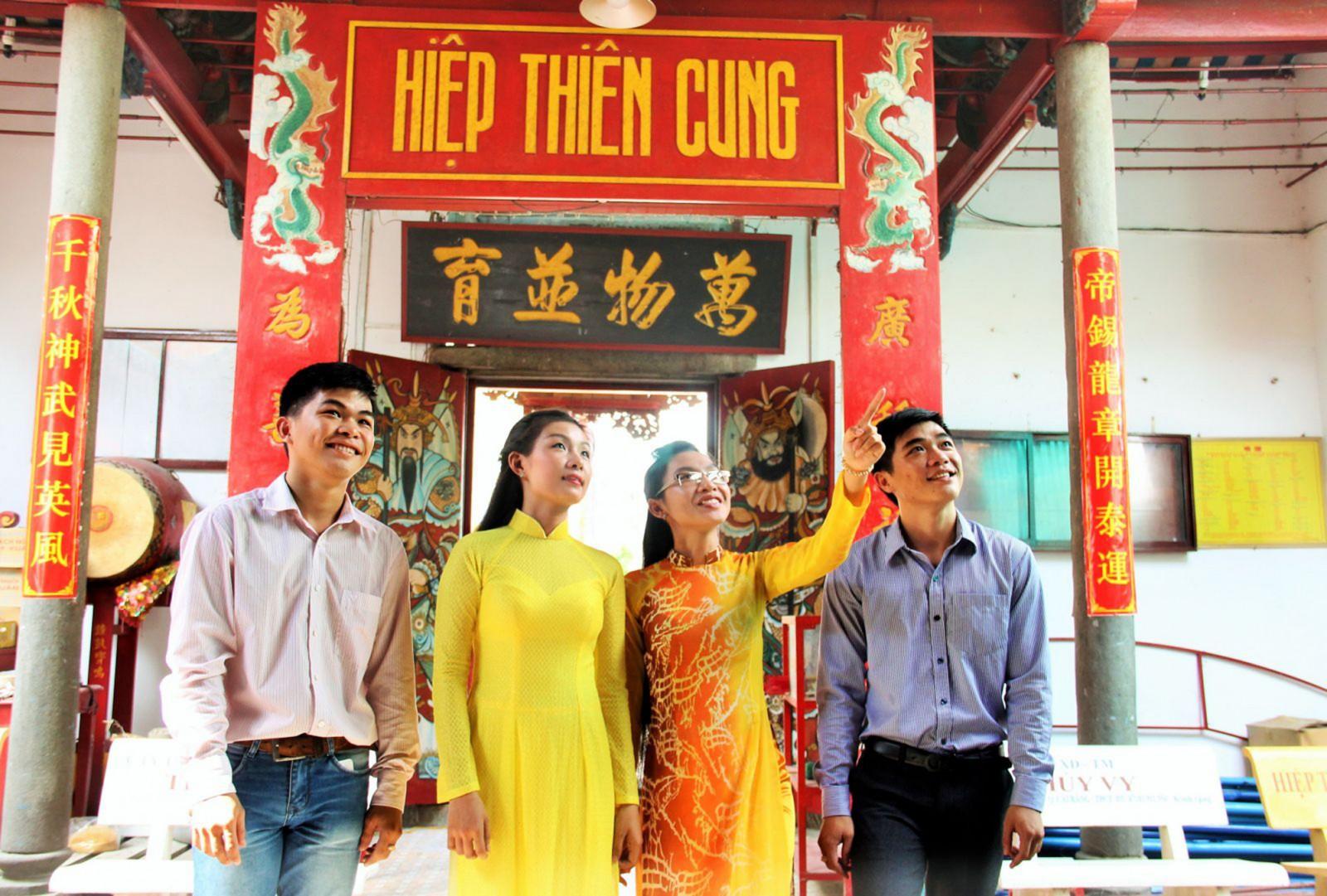 Di tích Quốc gia Hiệp Thiên Cung (Cái Răng) - nơi diễn ra nhiều lễ hội truyền thống của bà con dân tộc Hoa, trong đó có Lễ Cúng bình an. Ảnh: DUY LỮ