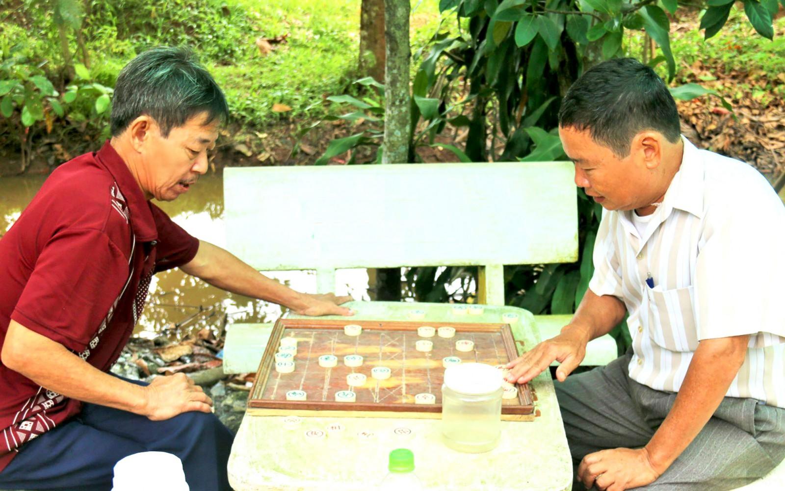 Giải Cờ tướng trung - cao tuổi là cơ hội để người trung niên, cao tuổi trong cả nước giao lưu, thi tài. Trong ảnh: Người cao tuổi Cần Thơ chơi cờ tướng. Ảnh: DUY KHÔI