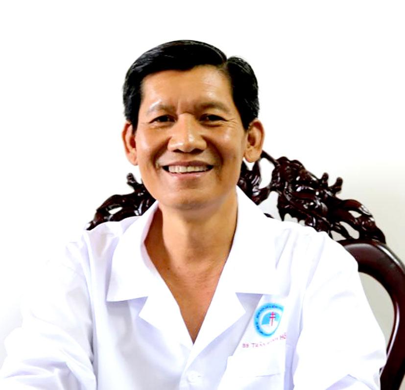 Bác sĩ Trần Mạnh Hồng, Giám đốc Bệnh viện  Lao và Bệnh phổi TP Cần Thơ.