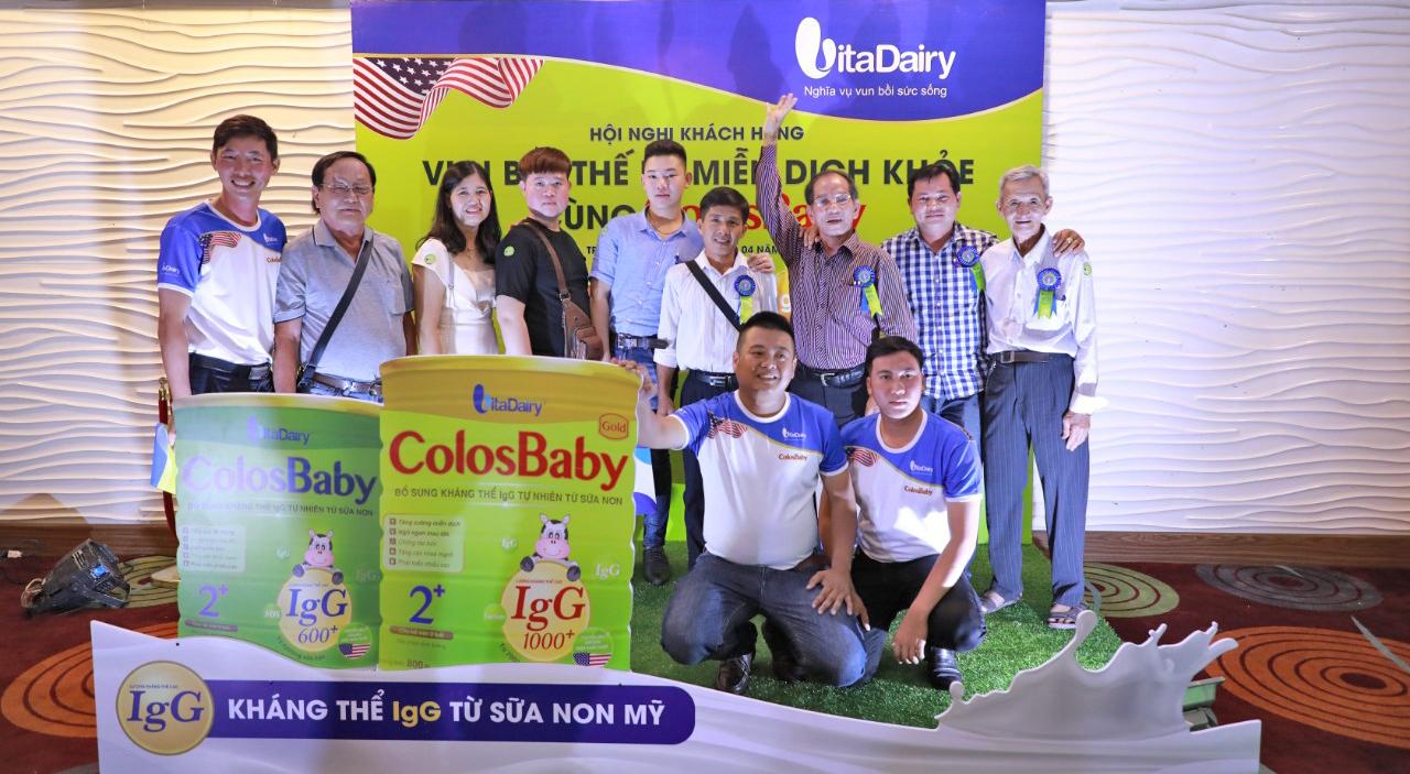 Công ty Cổ phần Sữa VitaDairy Việt Nam giới thiệu sản phẩm dinh dưỡng miễn dịch ColosBaby tại TP Cần Thơ.