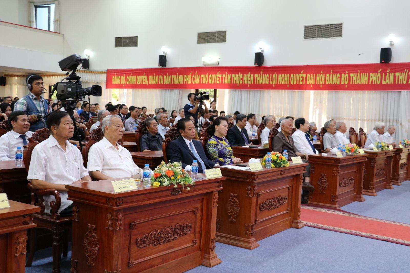 Các đại biểu tham dự Lễ kỷ niệm 44 năm Ngày Giải phóng miền Nam, thống nhất đất nước (30/4/1975- 30/4/2019), ngày Quốc tế Lao động 1/5 và 129 năm Ngày sinh Chủ tịch Hồ Chí Minh (19/5/1890 – 19/5/2019).