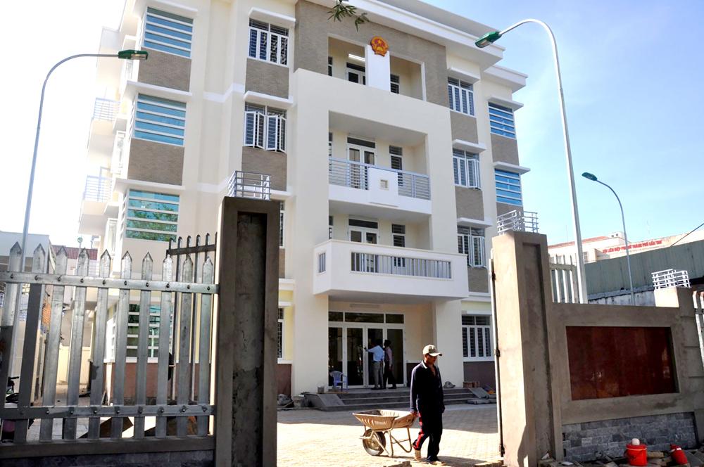 Công trình trụ sở làm việc của UBND phường Xuân Khánh, quận Ninh Kiều, với tổng mức đầu tư 7 tỉ đồng đã hoàn thành vượt kế hoạch trước 1 tháng.