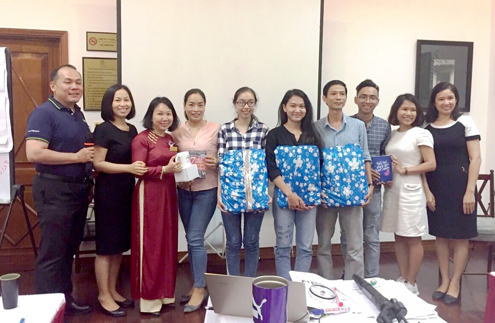Công ty TNHH Victoria Cần Thơ thường xuyên tổ chức các lớp tập huấn nâng cao tay nghề, nghiệp vụ cho nhân viên. Ảnh: CTV