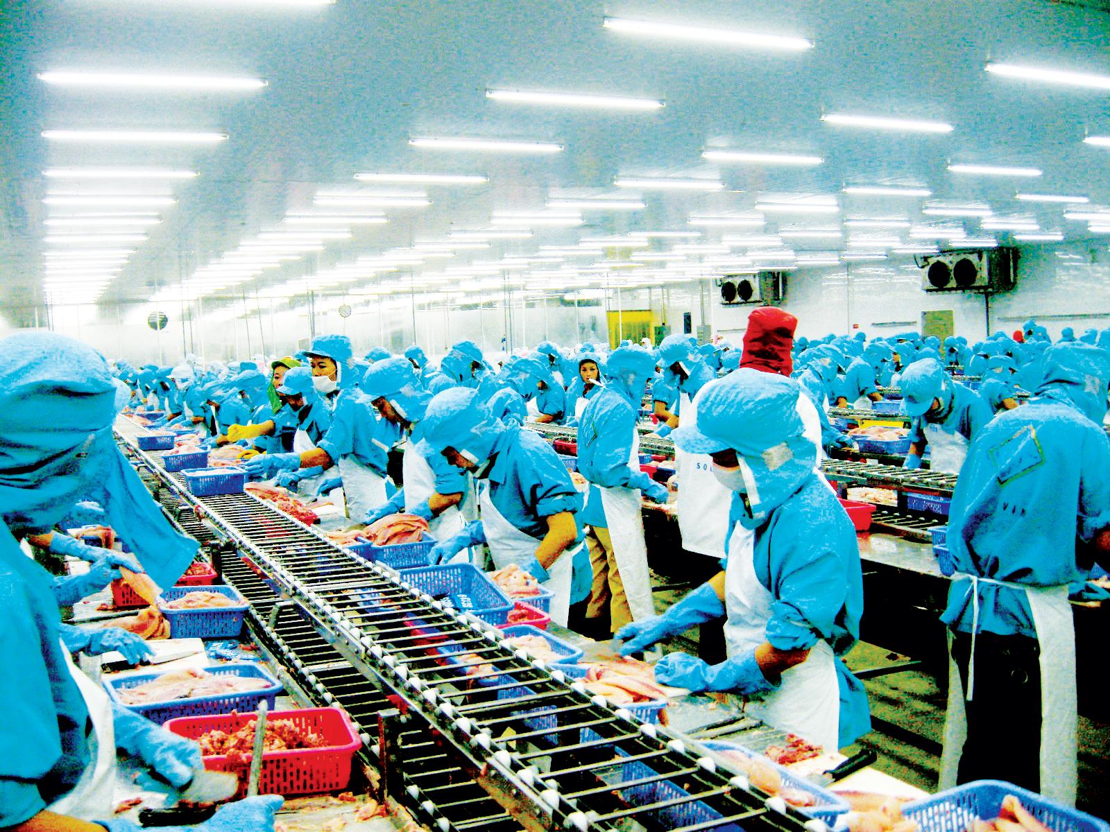 4 tháng qua, chỉ số sản xuất công nghiệp của thành phố tăng khá và sản lượng hầu hết các sản phẩm công nghiệp đều tăng. Ảnh: T. TRINH