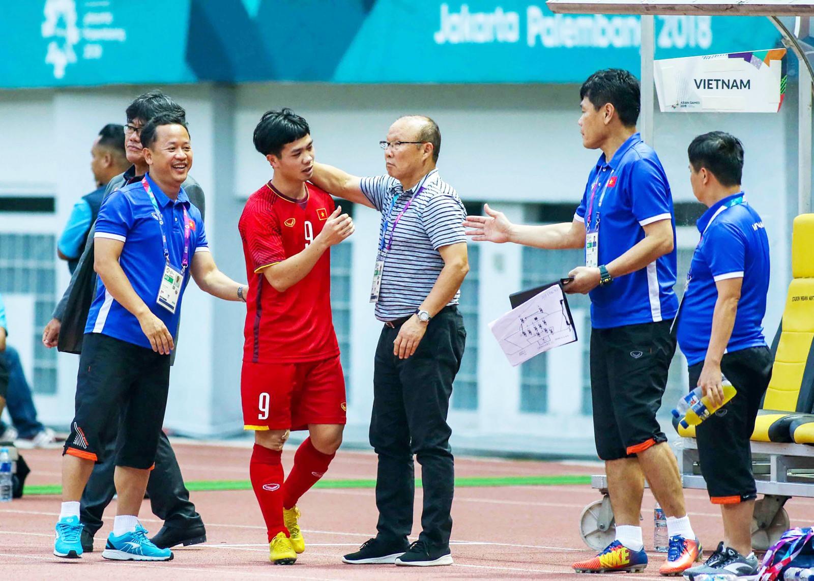 """HLV Park Hang-seo sẽ tính toán """"chia lửa"""" cho hai đội hình mà không nhất thiết phải chọn lực lượng mạnh nhất đá King's Cup. Ảnh: ANH HUY"""