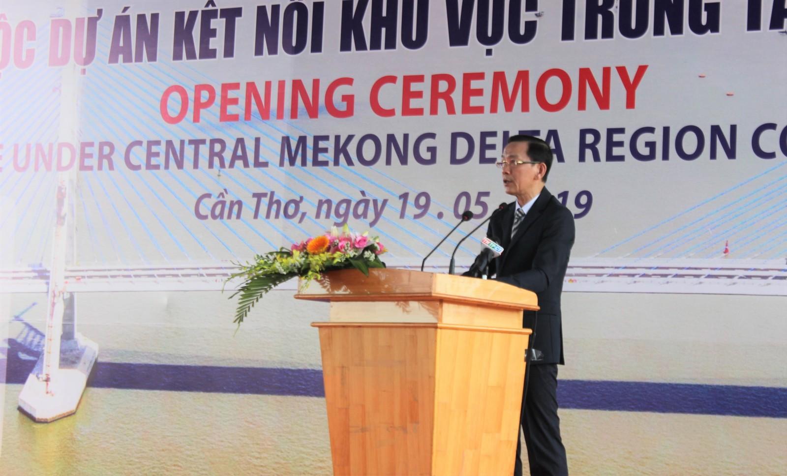Chủ tịch UBND TP Cần Thơ Võ Thành Thống phát biểu tại lễ khánh thành. Ảnh: T.H
