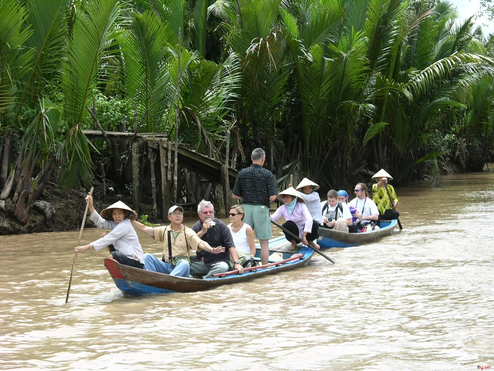 Người Sài Gòn rủ nhau về miền Tây, Vì sao?
