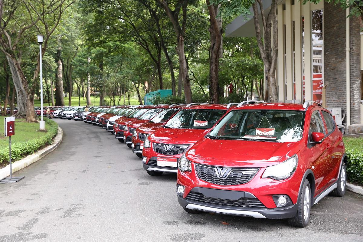 Vinfast giao 650 xe Fadil tới khách hàng trong 1 ngày
