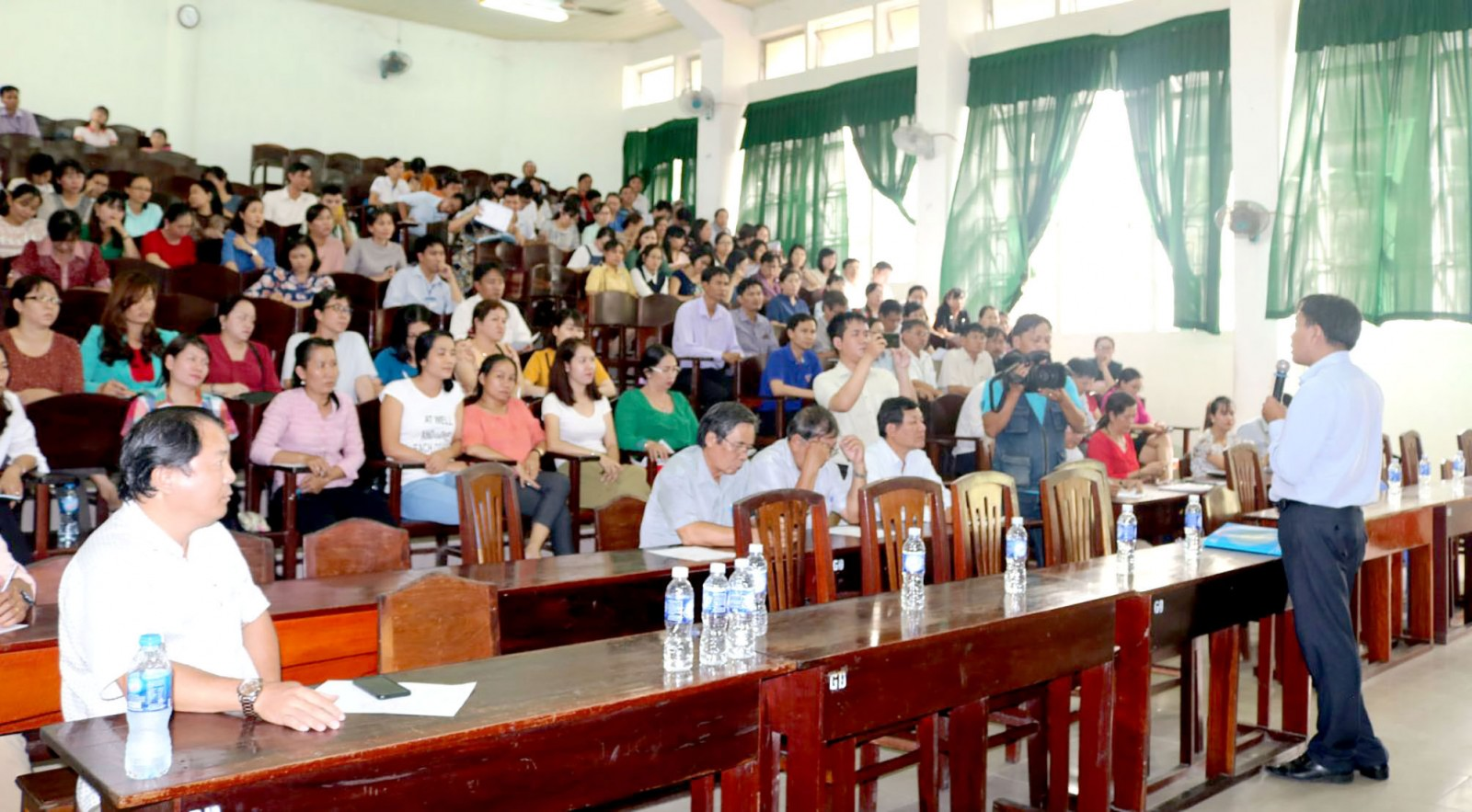 Cán bộ, giảng viên Trường Cao đẳng Cần Thơ tham gia tập huấn Quy chế thi THPT Quốc gia năm 2019.
