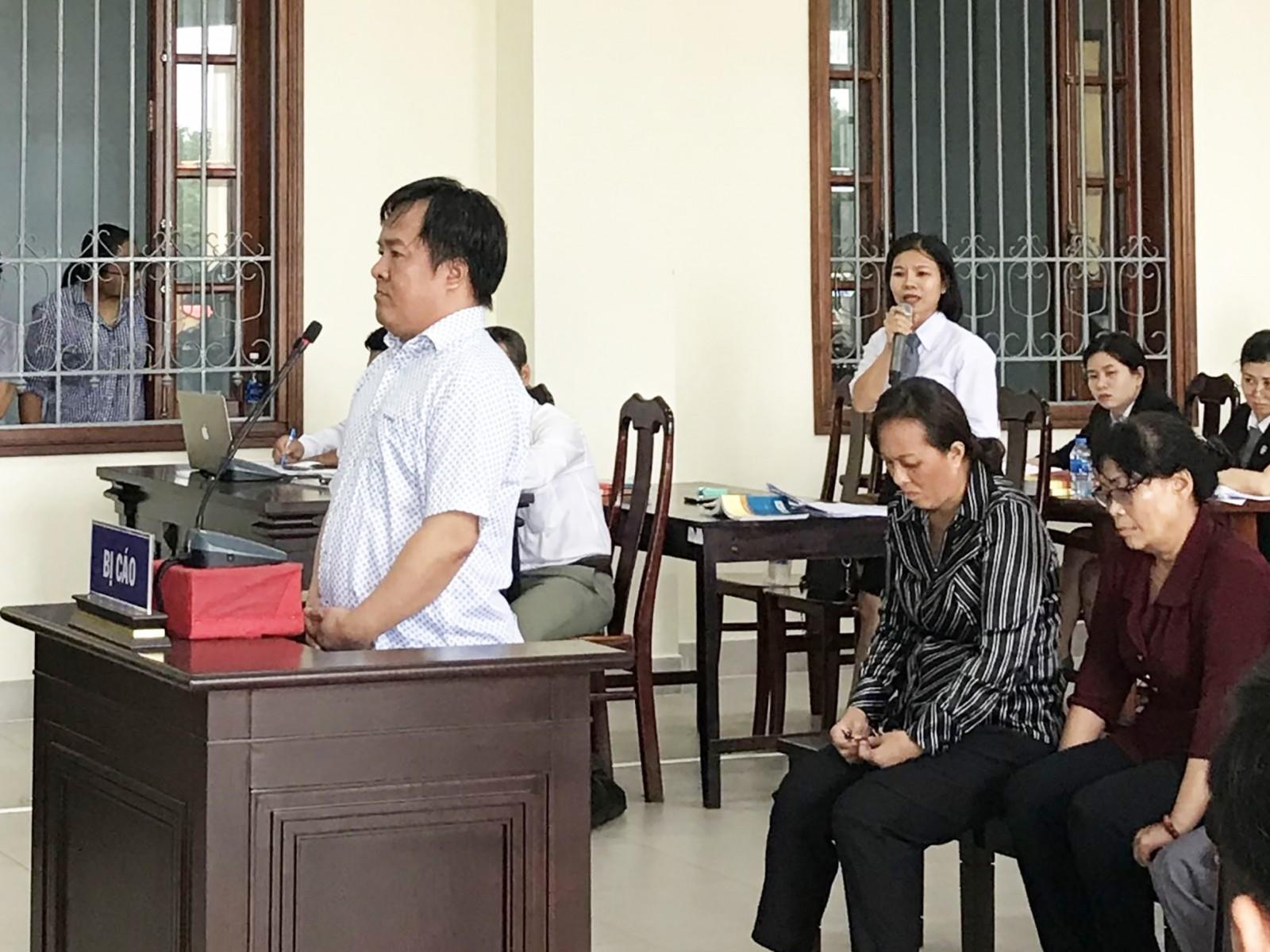 Phan Bá Tòng trả lời thẩm vấn tại phiên tòa phúc thẩm ngày 17-6.