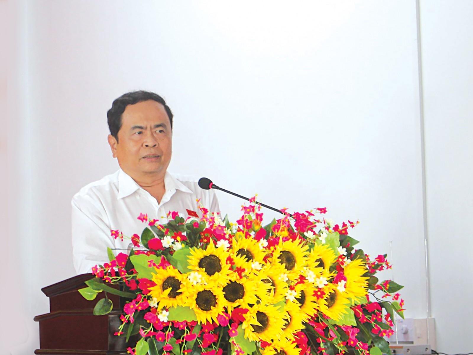 Ông Trần Thanh Mẫn, Bí Thư  Trung ương Đảng, Chủ tịch Ủy ban Trung ương MTTQVN phát biểu tại buổi tiếp xúc cử tri. Ảnh: Thanh Thư
