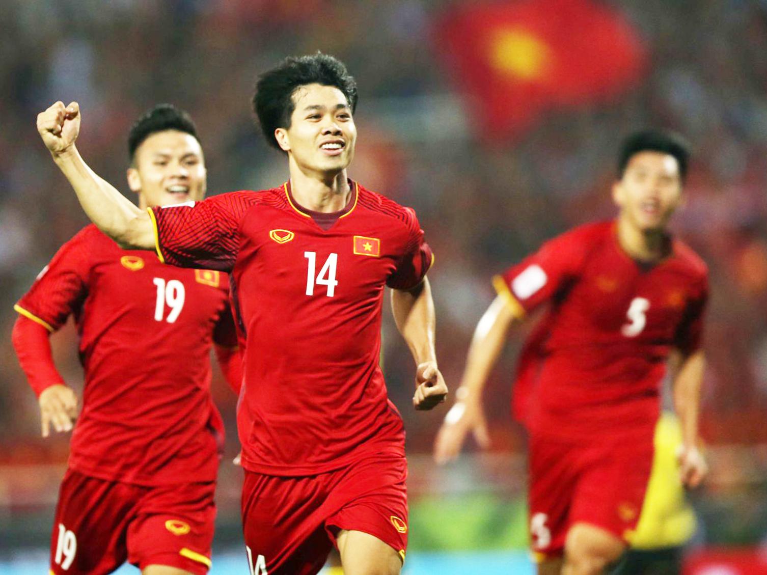 Thành tích các đội tuyển Việt Nam rất tốt trong thời gian qua, nhưng VFF vẫn chưa thể khai thác để kiếm tiền. Ảnh: ANH HUY