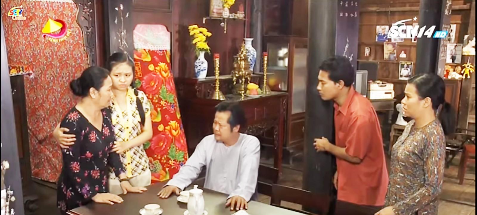 Gia đình ông Ba Đía trở nên xào xáo khi ông quyết định bỏ vợ để cưới Quế Ngọc.