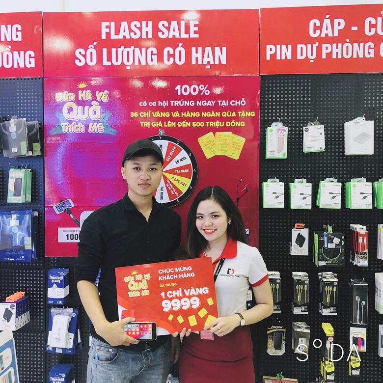 Hình ảnh khách trúng vàng 9999 tại Di Động Việt